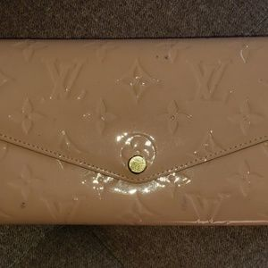 Louis Vuitton Rose Ballerina Vernis Sarah Wallet